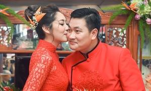 'Hoa hậu trả vương miện' Đặng Thu Thảo rạng ngời trong ngày đính hôn