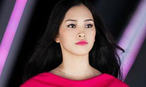 Hoa hậu Trần Tiểu Vy sến sẩm khi trang điểm đậm