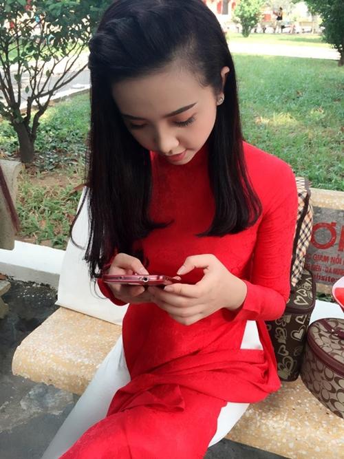 Đọ vẻ thiên thần áo trắng của top 3 Hoa hậu Việt Nam 2018 - 9