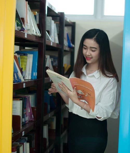 Đọ vẻ thiên thần áo trắng của top 3 Hoa hậu Việt Nam 2018 - 10