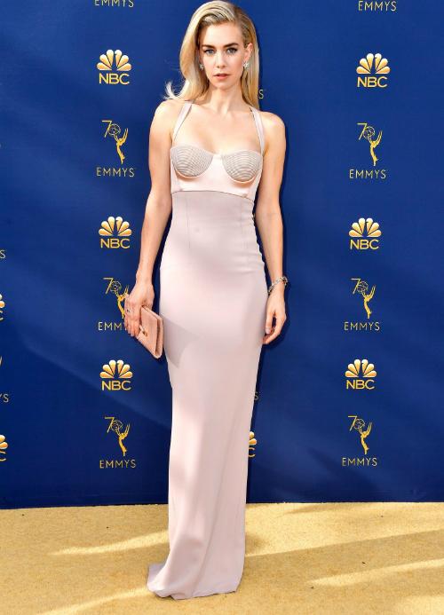 Loạt mỹ nhân Hollywood lên đồ đẳng cấp dự thảm đỏ Emmy 2018