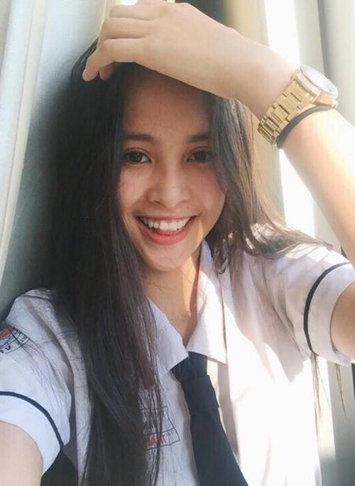 Đọ vẻ thiên thần áo trắng của top 3 Hoa hậu Việt Nam 2018