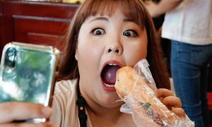'Thánh ăn' Hàn Quốc chịu thua trước 3 ổ bánh mì Việt Nam