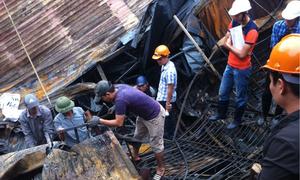 Bên trong khu nhà cháy rụi vì hỏa hoạn ở Hà Nội