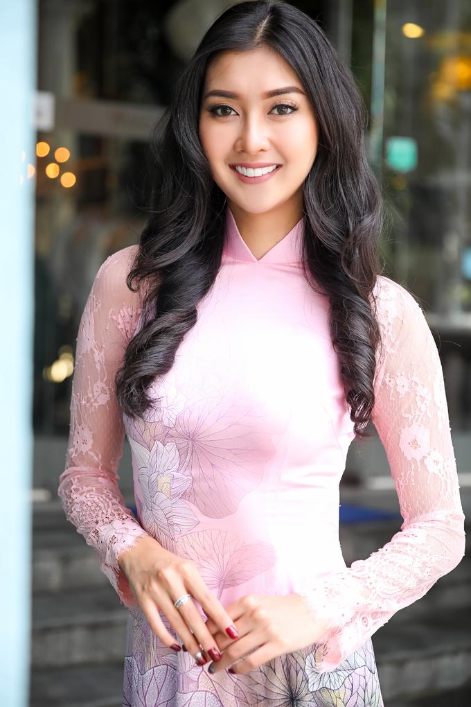 <p> Nụ cười rạng rỡ dễ gây thiện cảm của Hoa hậu Quốc tế.</p>