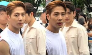 Jackson (GOT7) gây sốt vì hành động bảo vệ fan nữ