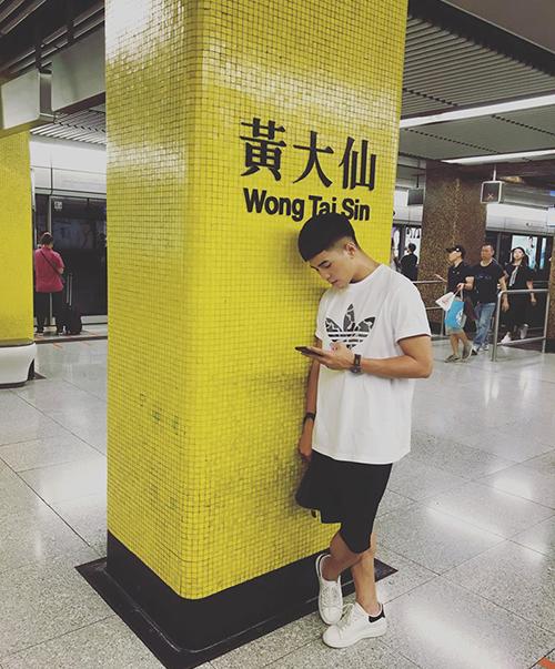 Will đang có chuyến du lịch ở Hong Kong.