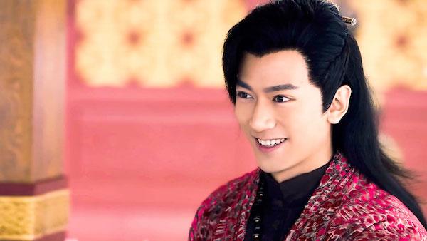 Trương Thiên Dương đóng vai Thác Bạt Hàn trong Cẩm Tú vị ương.