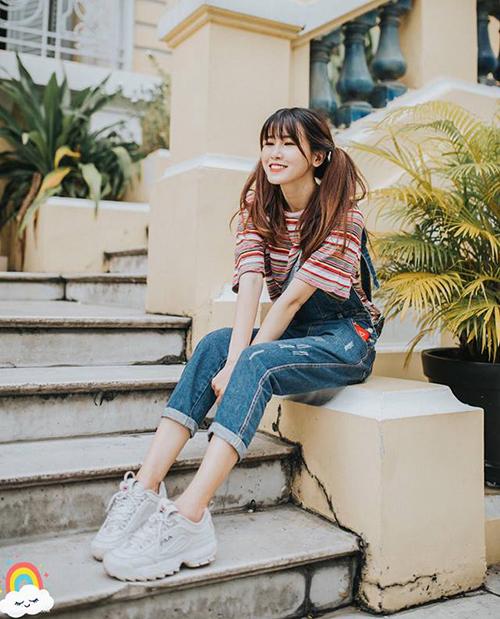 Phong cách ăn mặc trẻ trung, đẹp mắt là một trong những lý do giúp những bức ảnh street style của My Vũ luôn rất hút like.