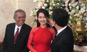Trường Giang liên tục hỏi han Nhã Phương khi đến rước dâu