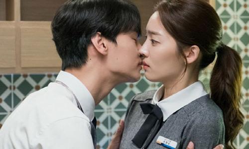 N (VIXX) kể về nụ hôn màn ảnh đầu tiên trong 'Familiar Wife'