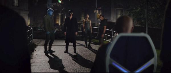 Magneto và Giáo sư X lại phải đứng trên hai bờ chiến tuyến.