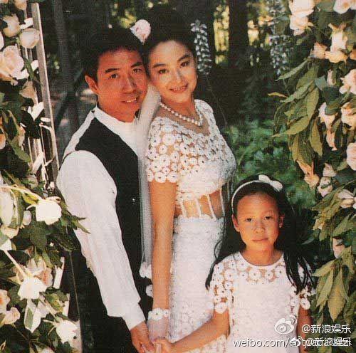 Ngọc nữ một thời của màn ảnh gây chú ý vì ly hôn chồng tỉ phú.