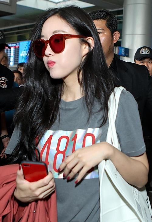 Hyomin liên tục có những biểu cảm siêu kute khi gặp gỡ lại fan Việt. Dường như cô đã quen thuộc với mảnh đất Sài Gòn khi từng khá nhiều lần trước đó đặt chân đến đây.