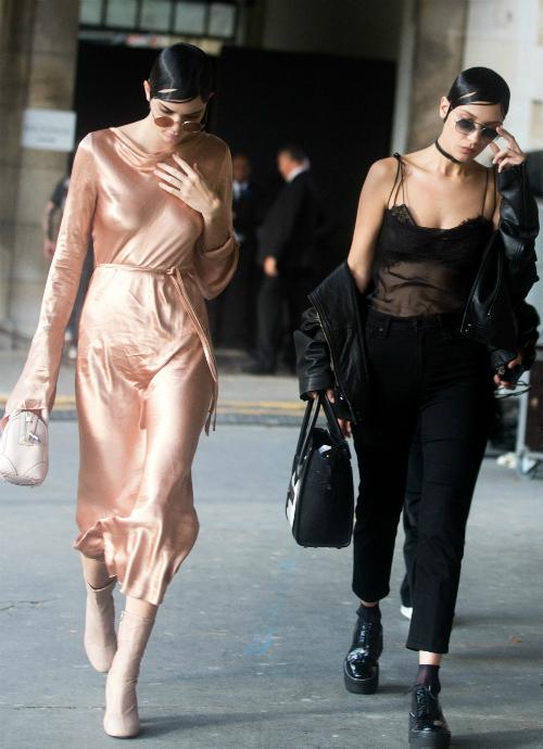Streetstyle yêu thích của bộ đôi KenBe chính là những item đơn giản nhưng không kém phần nổi bật, thời thượng.