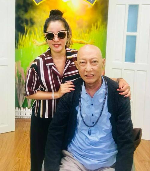 Thúy Nga cho biết sức khỏe của Lê Bình đang chuyển biến tốt.