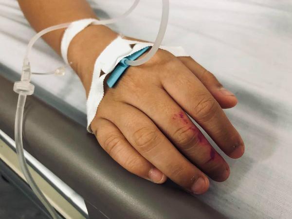 Hữu Khang đã phải nhập viện vì quá suy sụp tinh thần.