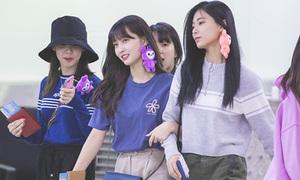 Twice khoe tạo hình mới, Yoon Ah đáng yêu trên đường ra sân bay