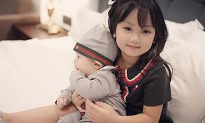 Con gái Huyền Baby xinh như búp bê giống hệt mẹ