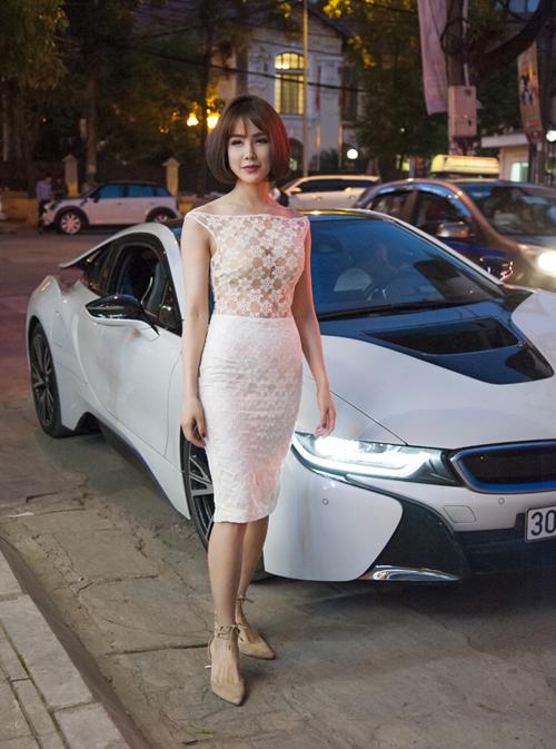 Trước đó Diệp Lâm Anh thường di chuyển bằng chiếc siêu xe 10 tỷ đồng.