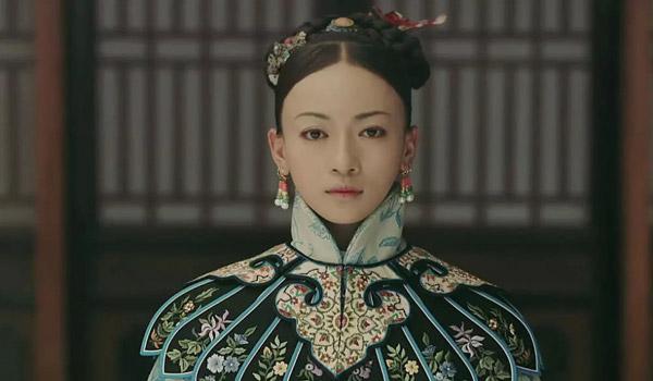 Sau Diên Hy công lược, Ngô Cẩn Ngôn trở thành ngôi sao được săn đón ở nhiều sự kiện.