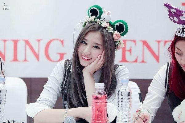 10 idol tắc kè hoa của Kpop: vừa sexy vừa đáng yêu ngọt ngào - 4