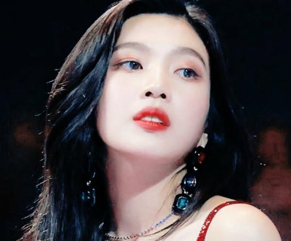 10 idol tắc kè hoa của Kpop: vừa sexy vừa đáng yêu ngọt ngào - 3