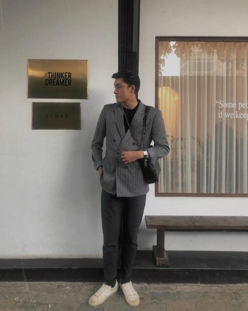 Sở hữu chiều cao 1m88, khó có kiểu trang phục nào làm khó được Quang Đại. Trang phục mang đậm tính ứng dụng mà vẫn sành điệu, thu hút giúp Quang Đại trở thành fashionisto được giới trẻ yêu mến.