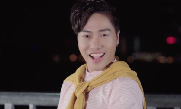 Sự trẻ trung của nam ca sĩ trong MV mới.