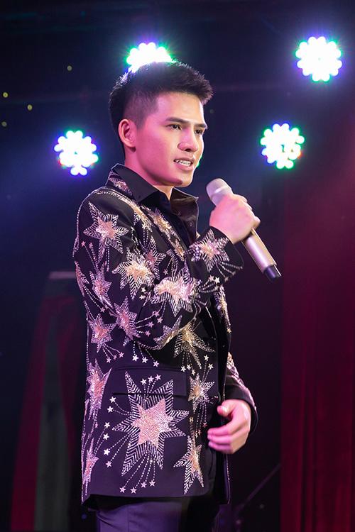 Quốc Thiên gặp chút áp lực khi hát nhạc xưa với đàn anh, đàn chị như Đàm Vĩnh Hưng, Lệ Quyên.
