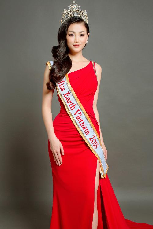 Á hậu Phương Khánh là đại diện Việt Nam tại Miss Earth năm nay.