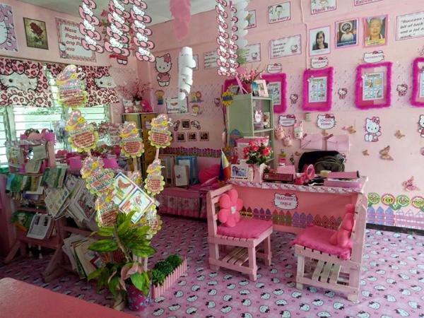 Cô giáo biến lớp học tẻ nhạt thành căn phòng hồng rực phong cách Hello Kitty - 2