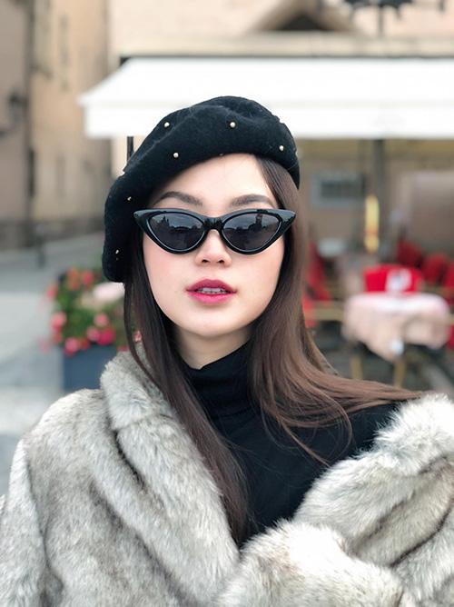 Á hậu Diễm Trang trẻ trung