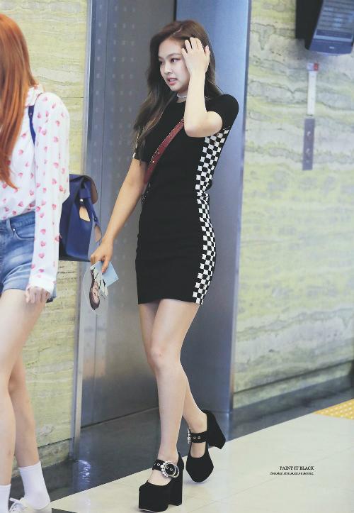 Thời trang sân bay đẳng cấp khiến Jennie luôn được ví con gái nhà tài phiệt - page 2 - 7