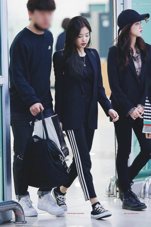Thời trang sân bay đẳng cấp khiến Jennie luôn được ví con gái nhà tài phiệt - page 2