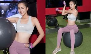Hoa hậu Trần Tiểu Vy khoe vóc dáng săn chắc trong phòng gym