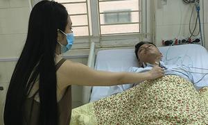 Tuấn Hưng nhập viện sau sự cố hủy show