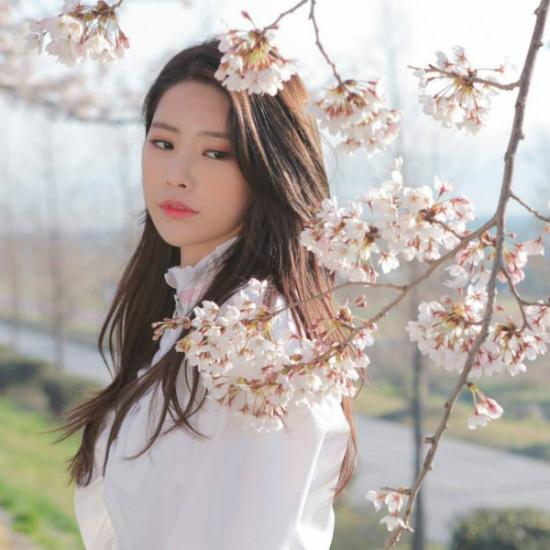 Ki Hee Hyun đang hoạt động cùng DIA. Nhóm vừa có chiến thắng đầu tiên trong sự nghiệp vào tháng 8/2018.
