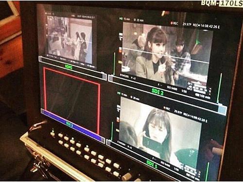 Park Bom xuất hiện trong bộ phim ngắn do Seung Ri (Big Bang) sản xuất. Lần tái xuất của nữ ca sĩ khiến nhiều người mong chờ.