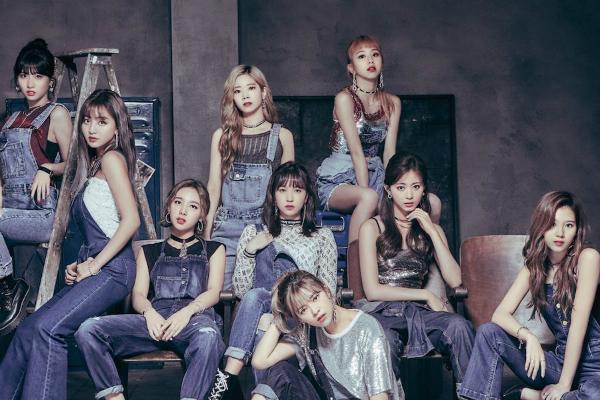 Twice là nhóm nhạc hoạt động năng suất khi được ra sản phẩm đều đặn trong năm.