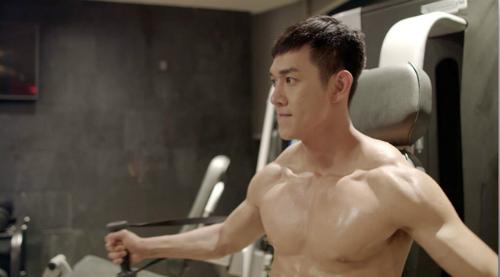 Ngoại hình điển trai, rắn rỏi của Song Luân trong phim.