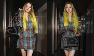 Han Ye Seul được khen giống búp bê Barbie dù nhuộm tóc vàng chóe ở tuổi 37