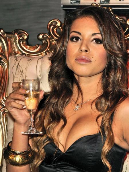Karima El Mahroug, người tuyên bố đã ngủ với Ronaldo năm 17 tuổi.