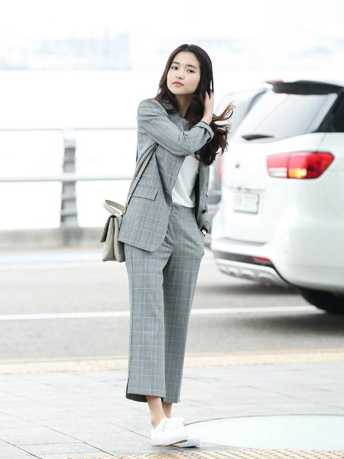Style cuốn hút của girl crush hot nhất làng điện ảnh Hàn - 3