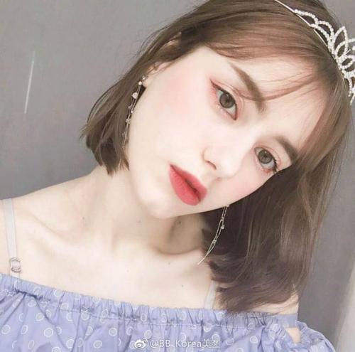 10x gây ấn tượng với khả năng nói trôi chảy tiếng Anh và Hàn Quốc. Cô nàng cho hay, bản thân rất yêu văn hóa Hàn Quốc và mong muốn theo học đại học tại nước này.