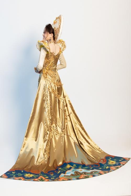 Trang phục truyền thống cầu kỳ của Phương Nga tại tại Miss Grand International 2018 - 3