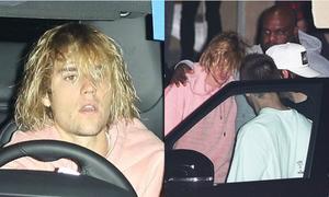 Justin xuất hiện trong tình trạng suy sụp sau khi Selena nhập viện