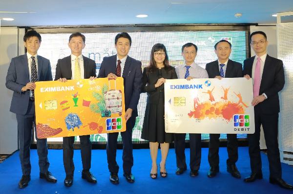 Về điều kiện phát hành thẻ tín dụng Eimbank JCB Young, khách hàng chỉ cần có thu nhập hàng tháng từ 5 triệu đồng trở lên và đáp ứng đầy đủ điều kiện cấp thẻ tín dụng do Eximbank quy định.