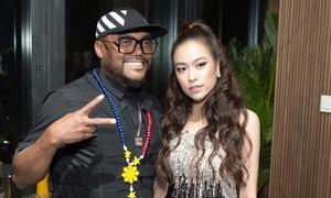 Hoàng Thùy Linh gợi cảm, giao lưu cùng rapper Apl De Ap