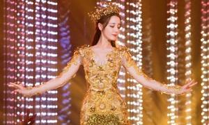 Địch Lệ Nhiệt Ba bị chê 'mặt đẹp nhưng tay thô, múa kém' khi làm Nữ thần Kim Ưng